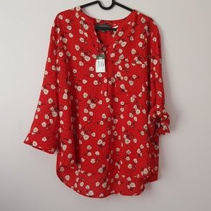 Primark Tops - Plus size red daisy print blouse 🌼
